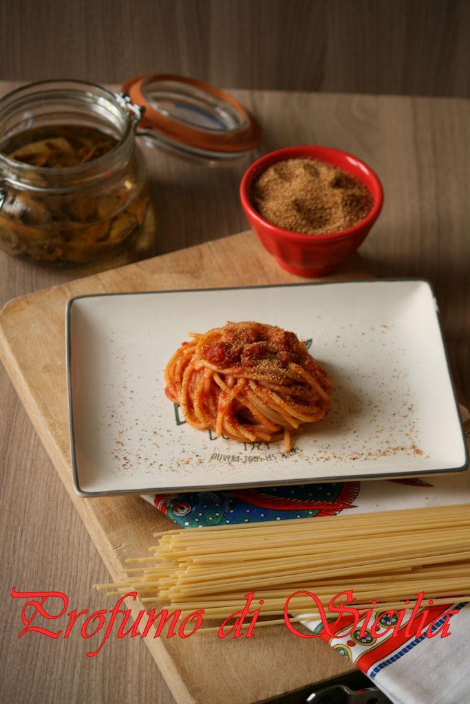 Pasta c'anciuova - Pasta con le alici alla Messinese