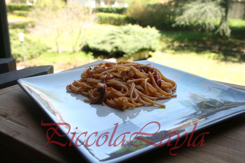 spaghetti con le seppie e peperoncino (10)b