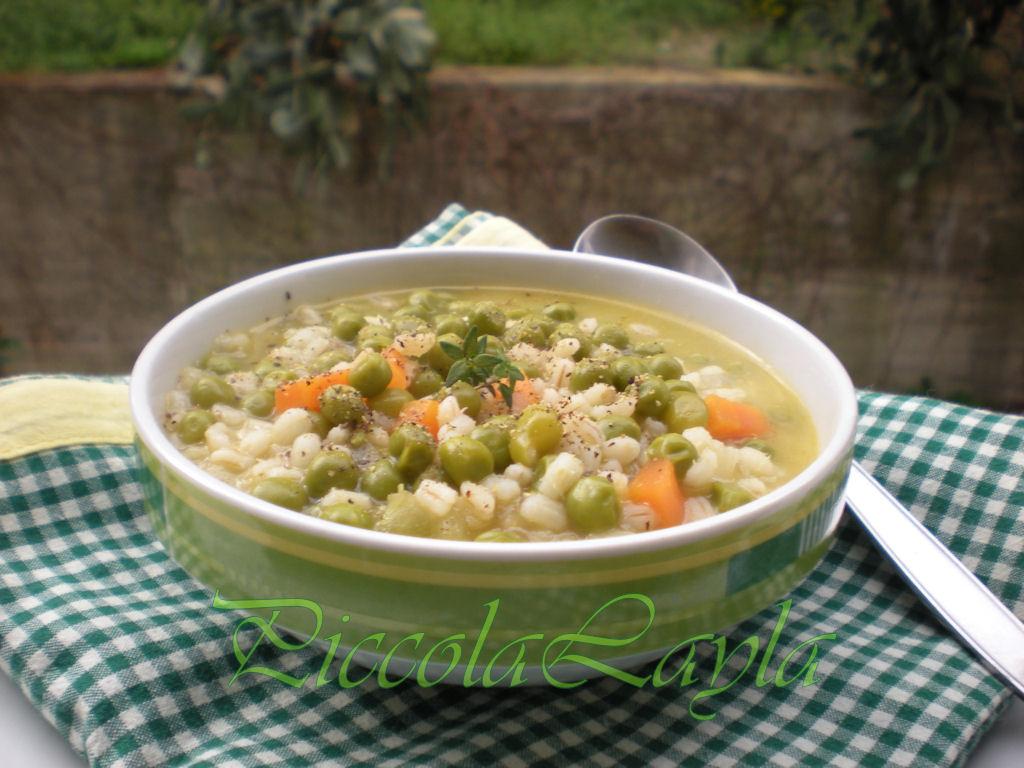 una deliziosa zuppa con i piselli