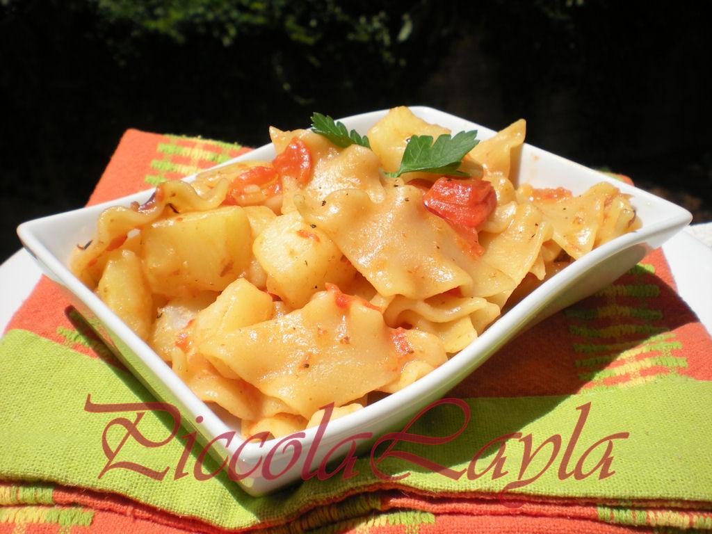 Pasta con peperoni e patate (27)b