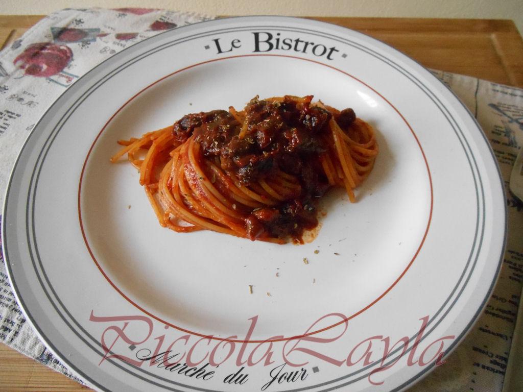 Spaghetti Ruvidi con Pomodori Secchi