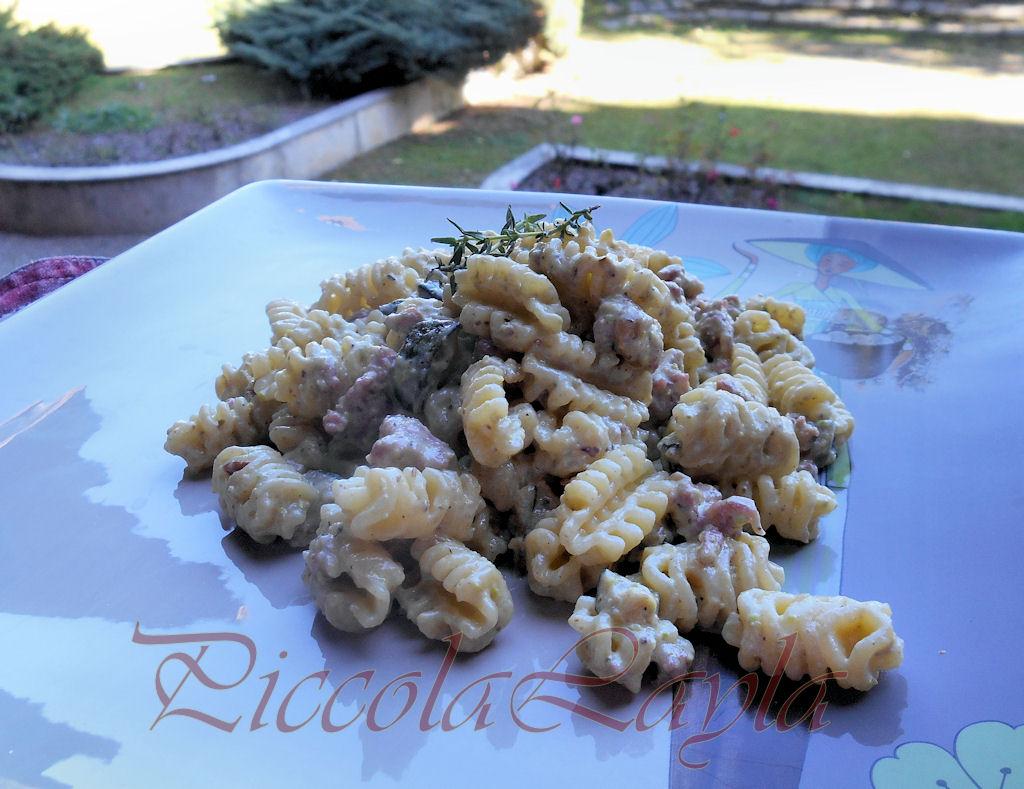 zucchine salsiccia pistacchi (15)b