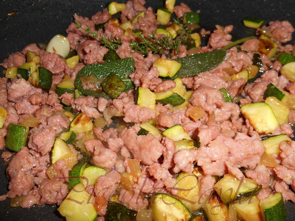zucchine salsiccia pistacchi (9)b