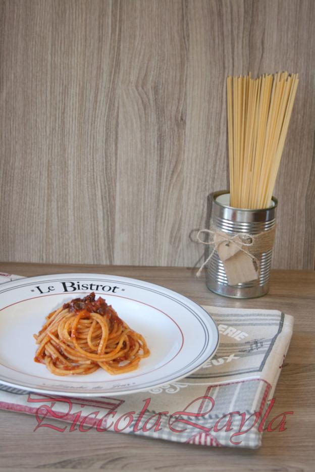 Linguine Ruvide con Alici e Pomodori Secchi