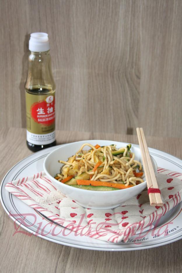 Noodles alle Verdure e Uova