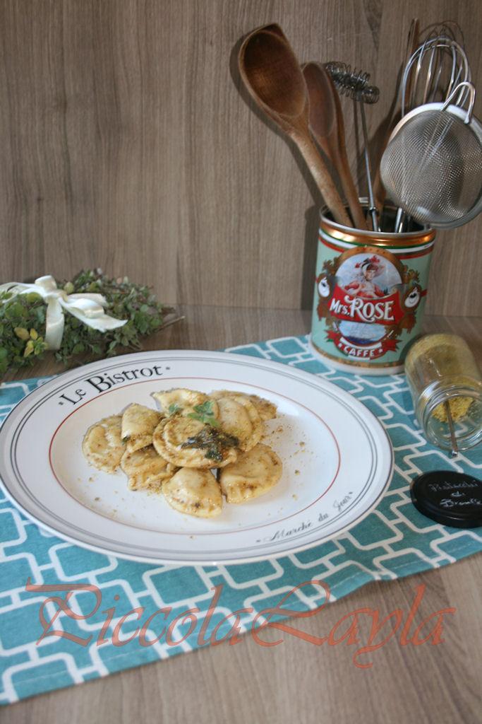 Tortelli con Zucca e Pecorino al Pistacchio di Bronte e Erbette Aromatiche