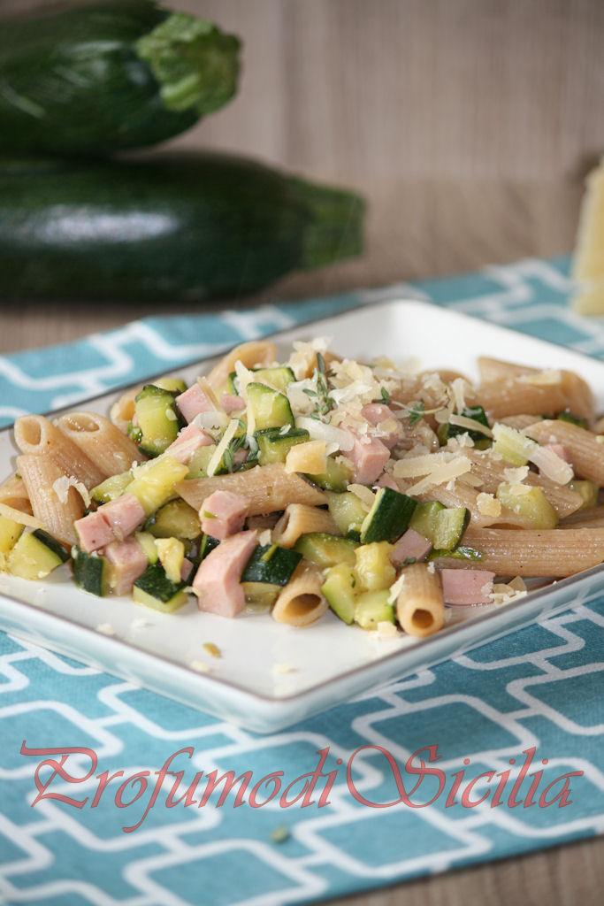 Pasta con Zucchine e Mortadella