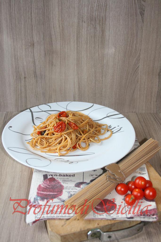 Spaghetti integrali con Pomodorini Gratinati