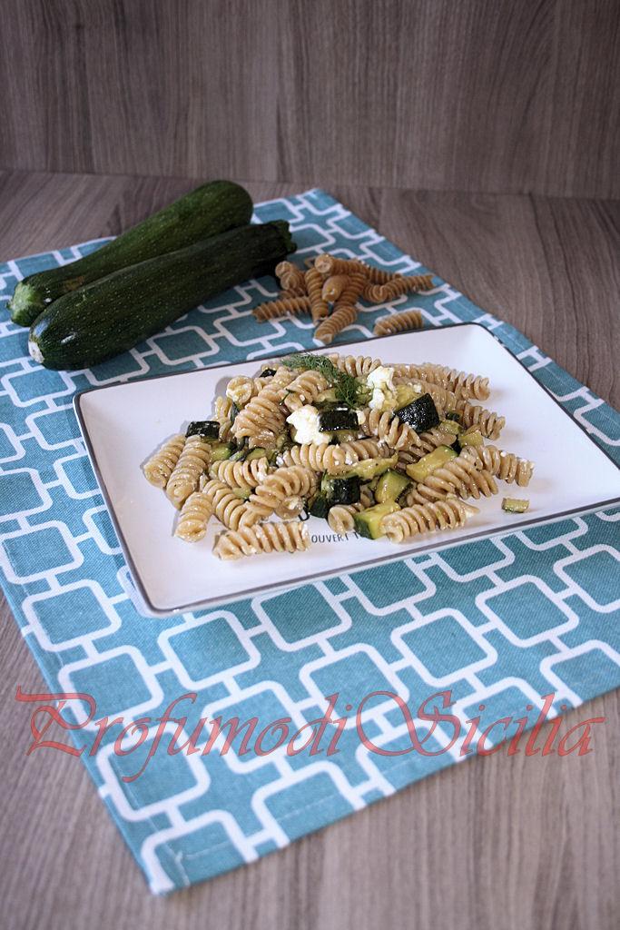 Pasta Integrale con Zucchine e Feta Greca