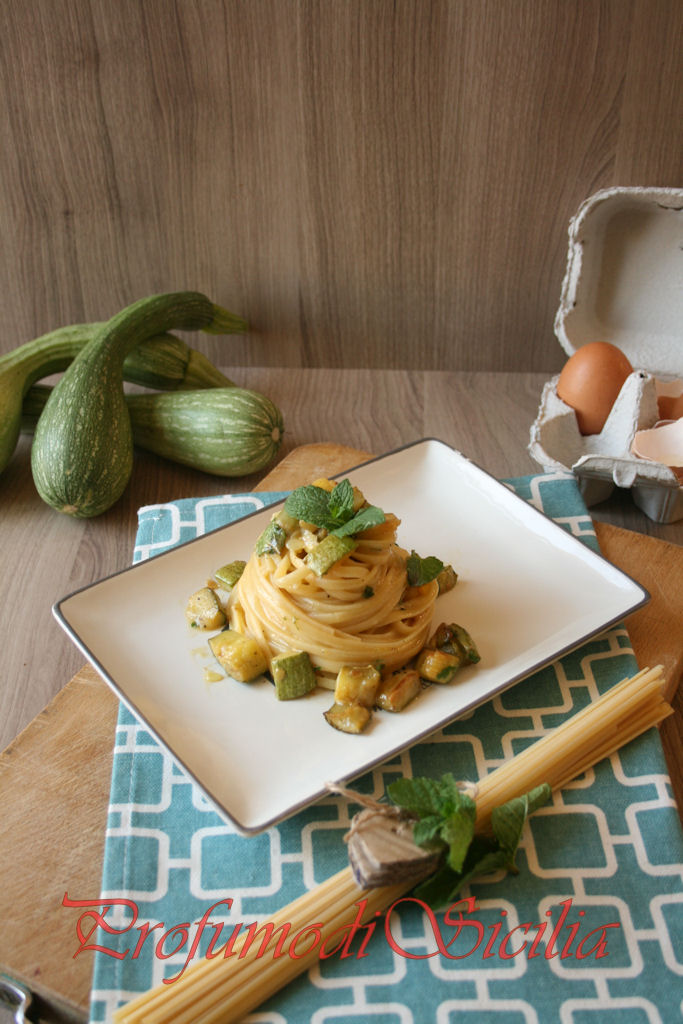 Carbonara di Zucchine di Albenga alla Menta e la Mitica Fiat 500