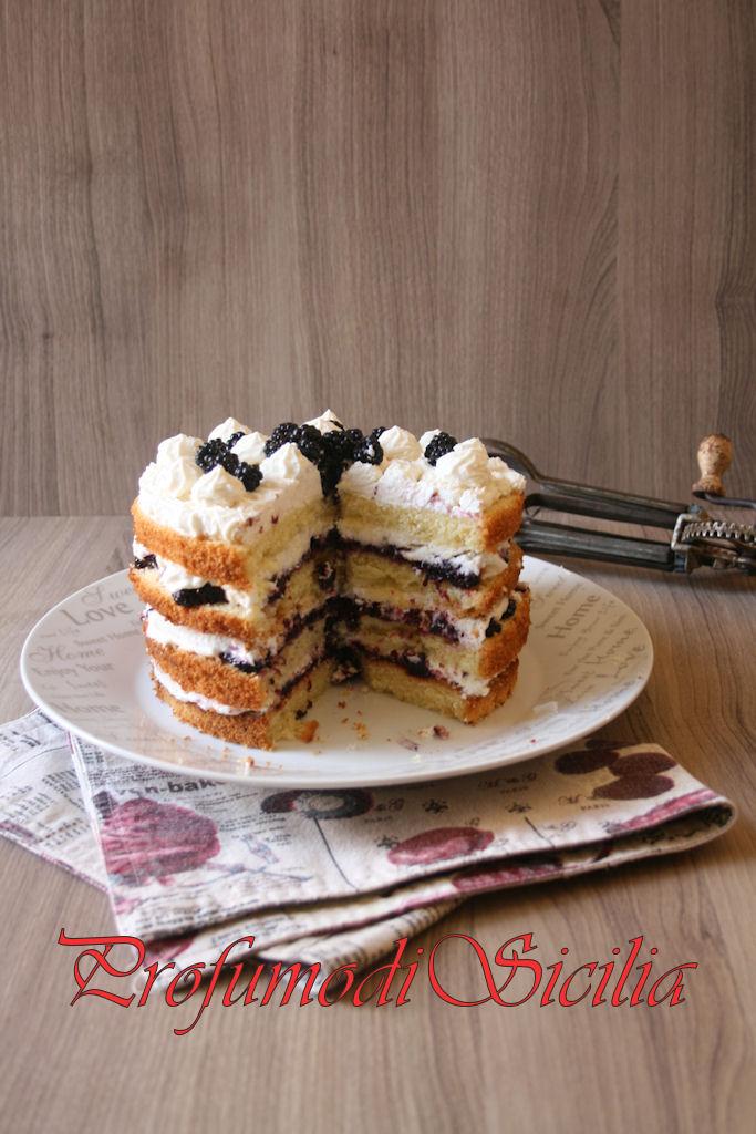 Sponge Cake alle More con Crema al Formaggio
