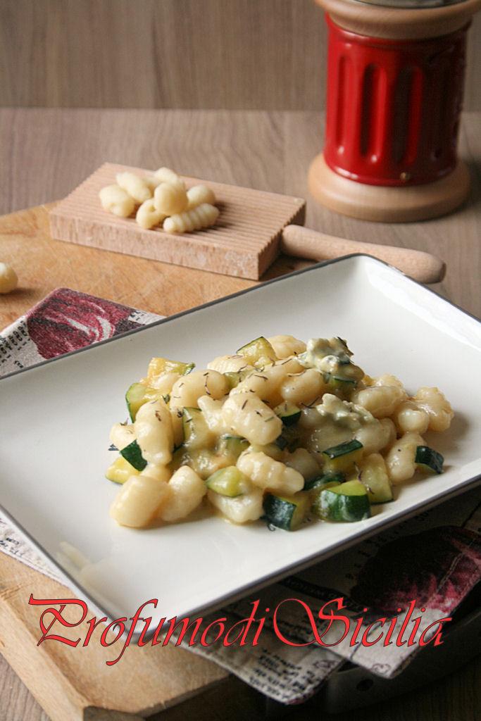 Gnocchi di Farina con Crema al Gorgonzola e Zucchine