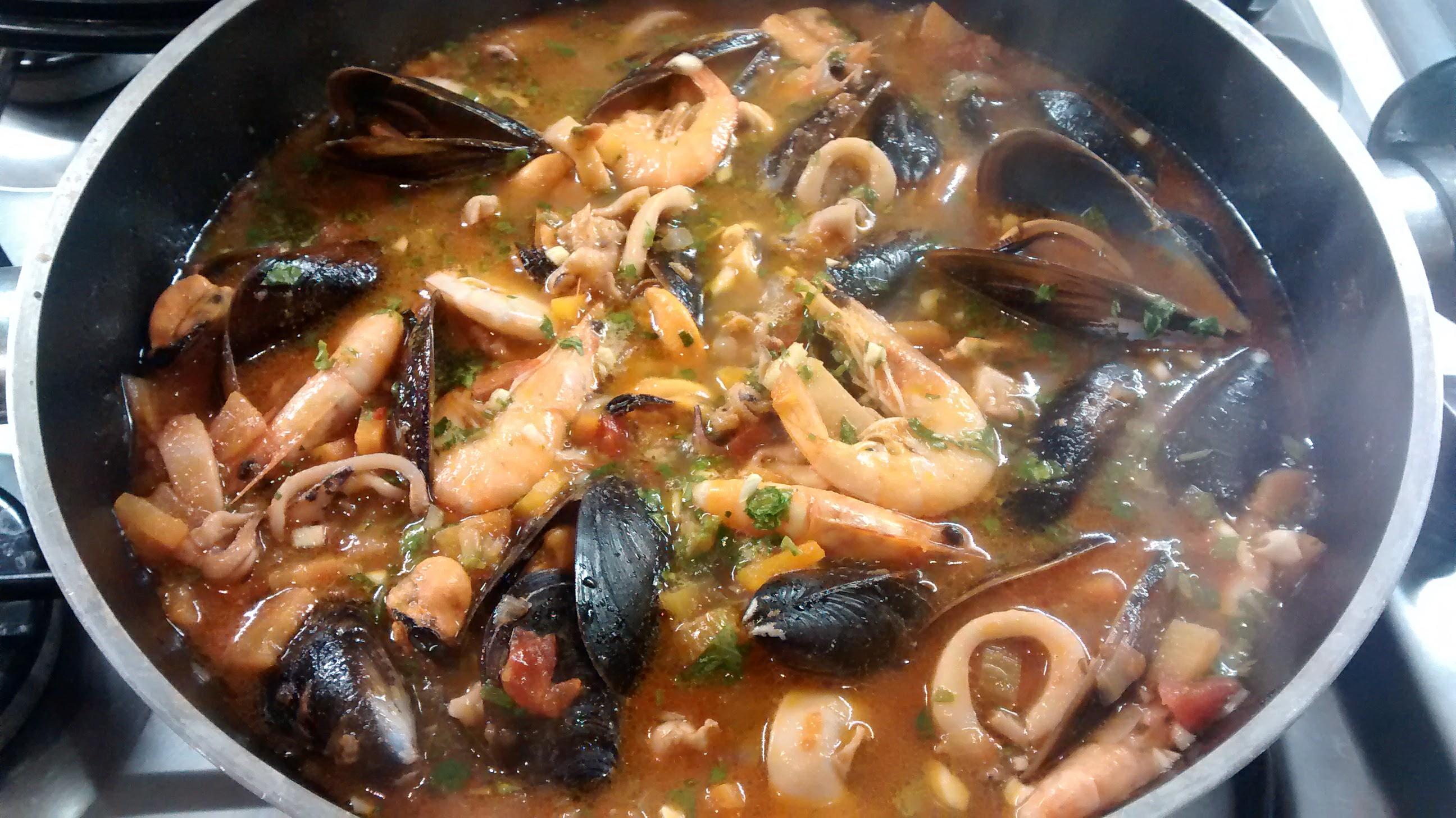 Zuppa di Pesce e Molluschi