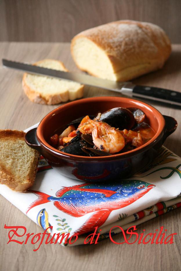 Zuppa Di Pesce E Molluschi Semplice E Gustosa Profumo Di Sicilia