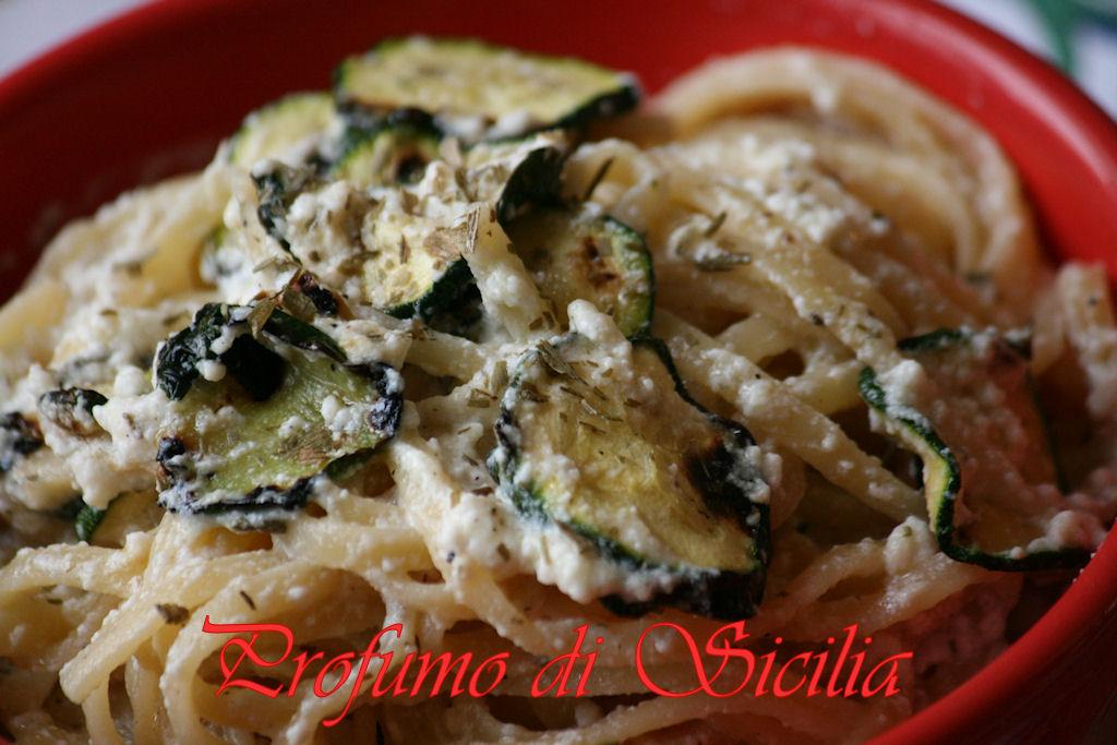 Spaghetti con Zucchine Grigliate e Crema di Ricotta di Pecora