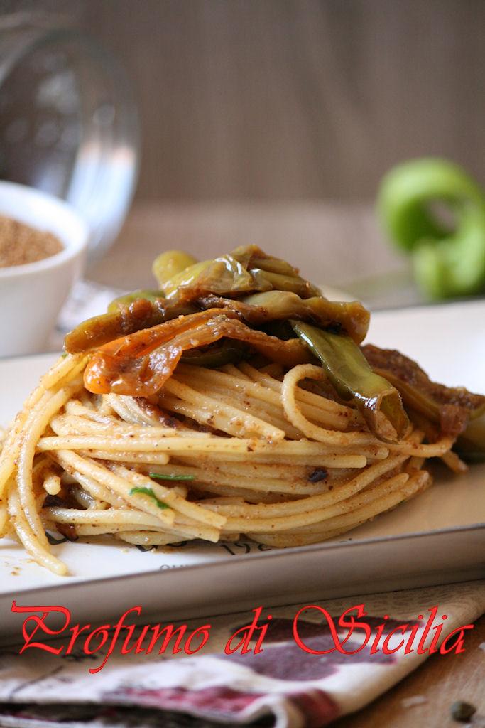 Spaghetti con Friggitelli Alici e Pane Tostato