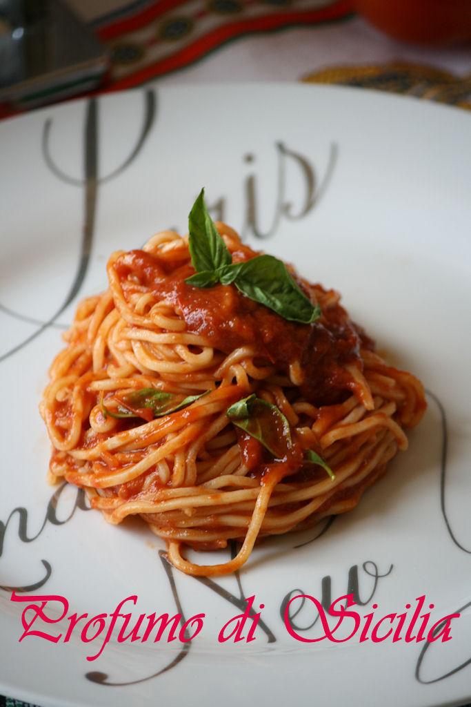 spaghetti al pomodoro 4