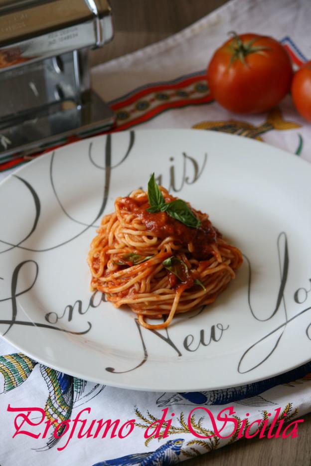 spaghetti al pomodoro 5