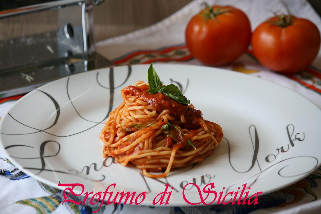 spaghetti al pomodoro 6