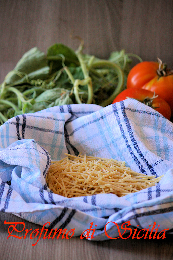Minestra di Tenerumi e Spaghetti Rotti