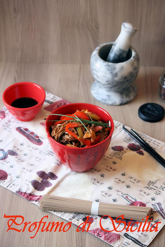 Soba con Verdure Spadellate e Pepe di Sichuan