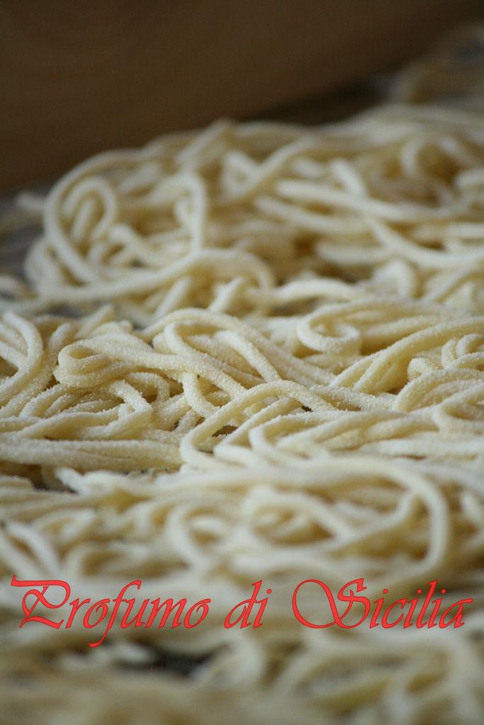 Spaghetti alla Chitarra con Zucchine e Curcuma