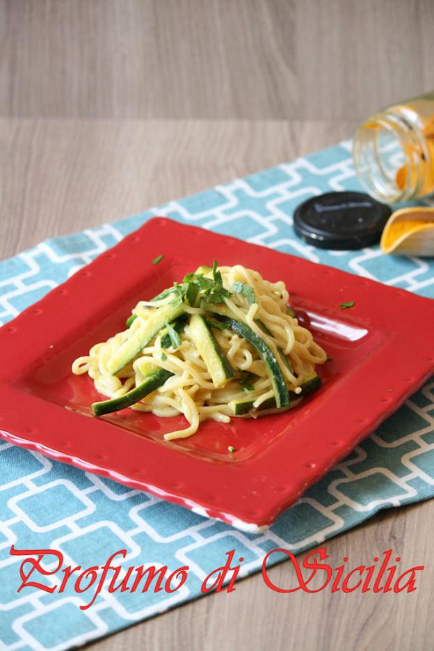 spaghetti_zucchine_curcuma (1)b1