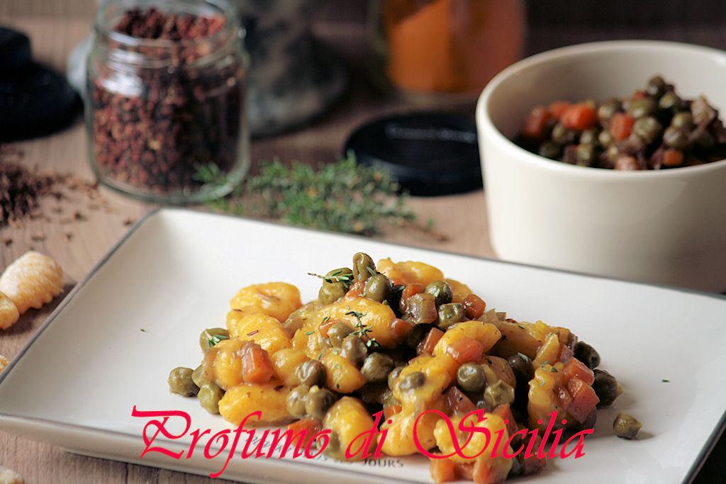 Gnocchi di Patate alla Curcuma con Ragù di Verdure al Pepe di Sichuan
