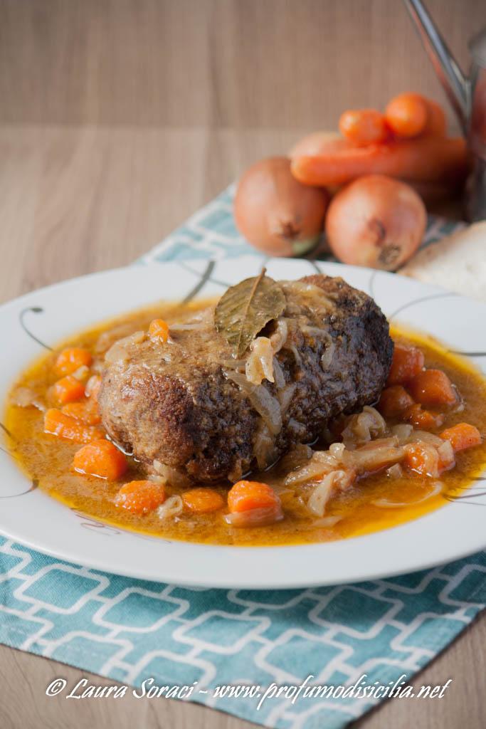 Polpettone di Carne con Verdure in Umido