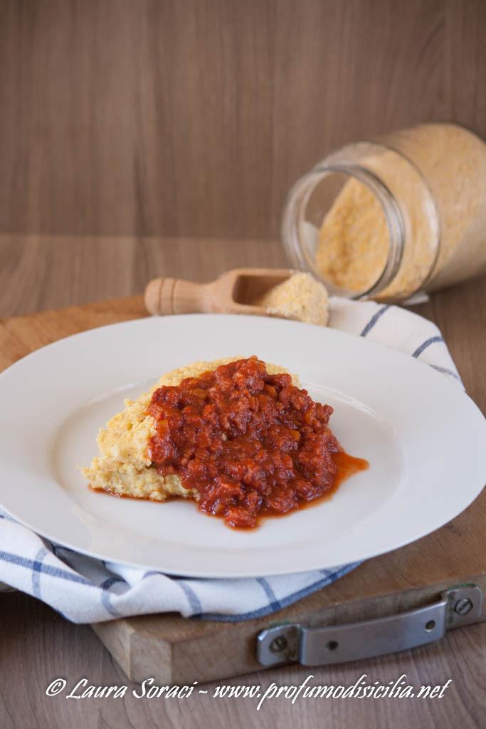 Polenta con Ragù alla Pasta di Salame