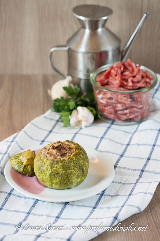 Zucchine Tonde Ripiene sono dei piccoli scrigni di sapore da servire in tavola per tutta la famiglia