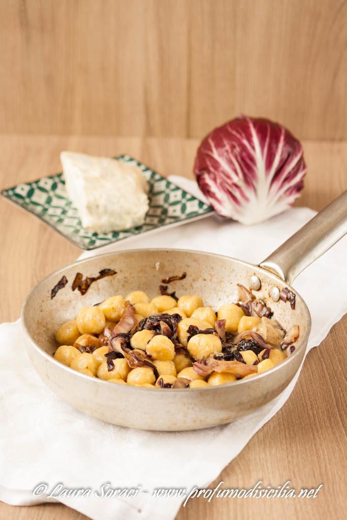 Gnocchi di patata con radicchio e gorgonzola