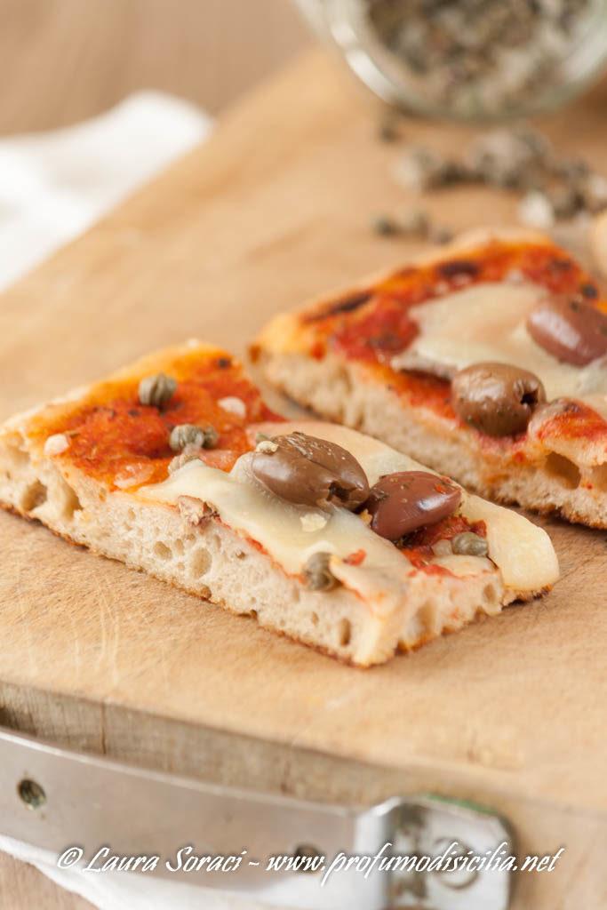 Pizza in teglia alla Siciliana