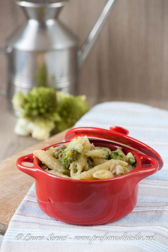 pasta con broccolo romanesco e pancetta affumicata