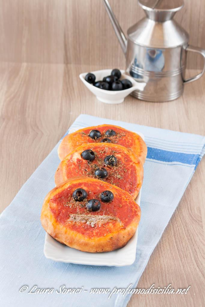 le pizzette della rosticceria palermitana