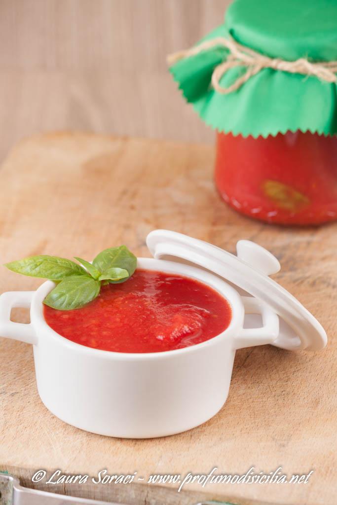 salsa di pomodoro fatta in casa alla siciliana