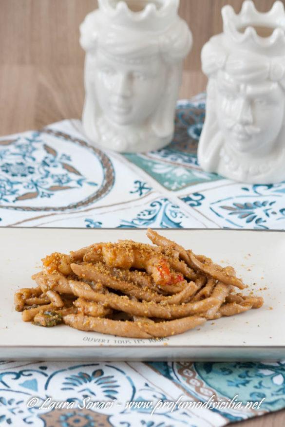 Le busiate con gamberi e pistacchi un piatto siciliano