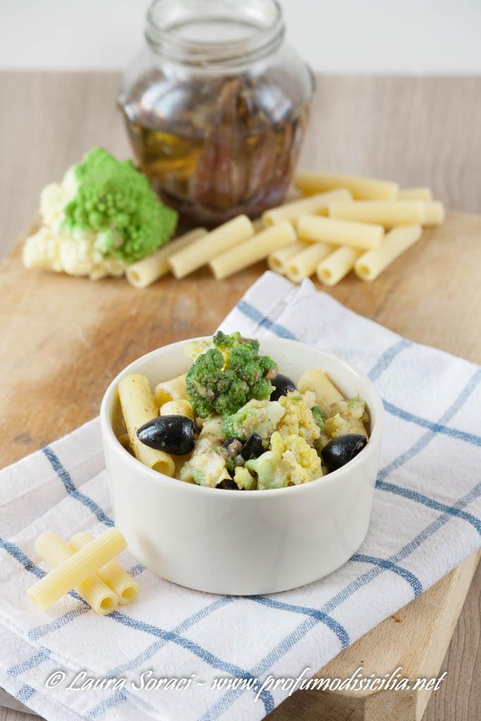 La pasta con il broccolo romanesco e la crema di alici.. un primo veloce
