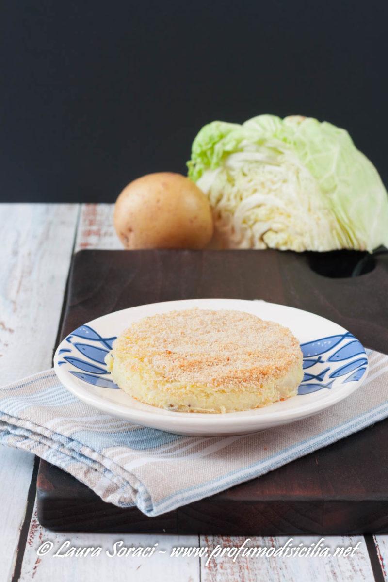 E' il contorno perfetto o un secondo goloso lo sformato di verza e patate