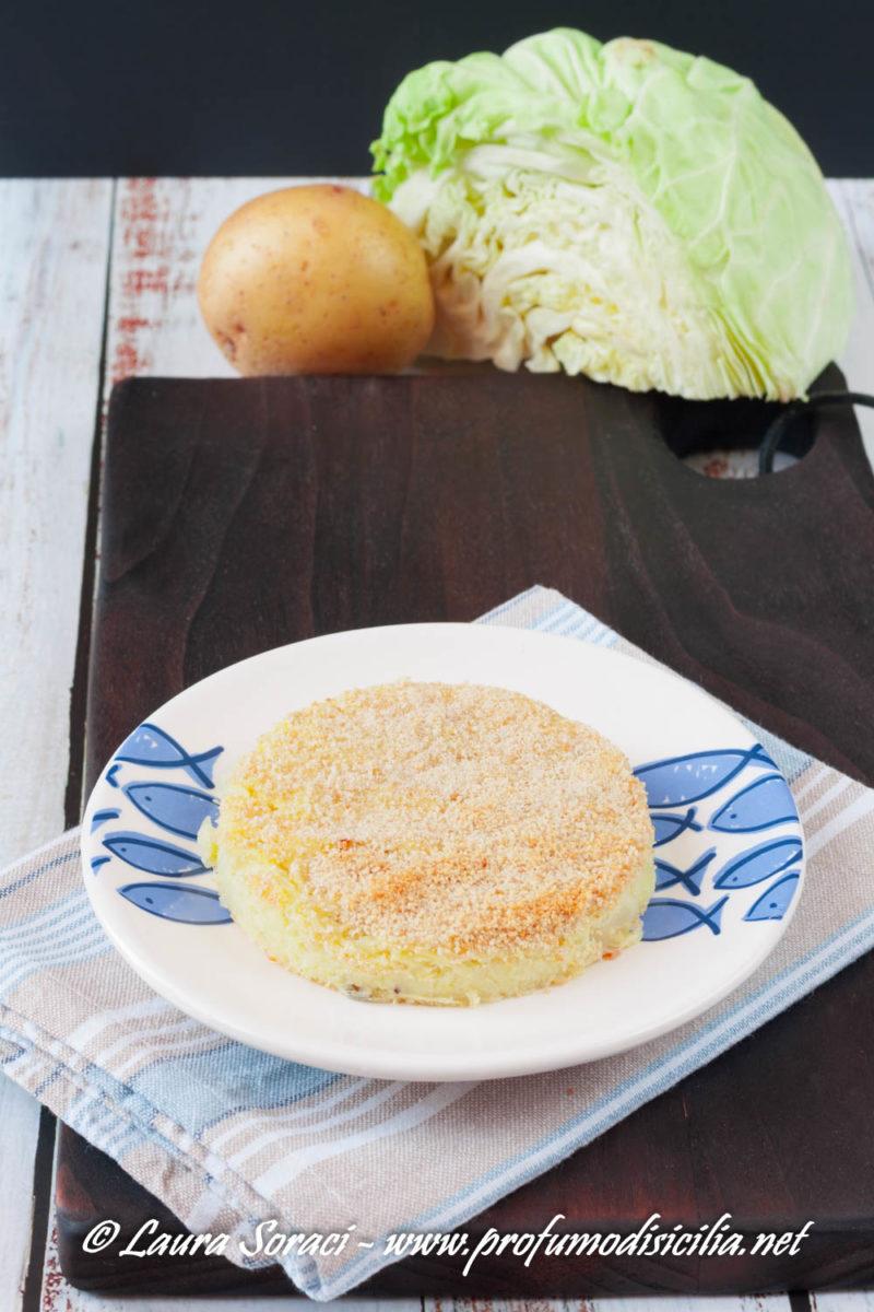 Piccolo sformato di verza e patate ed è subito a tavola