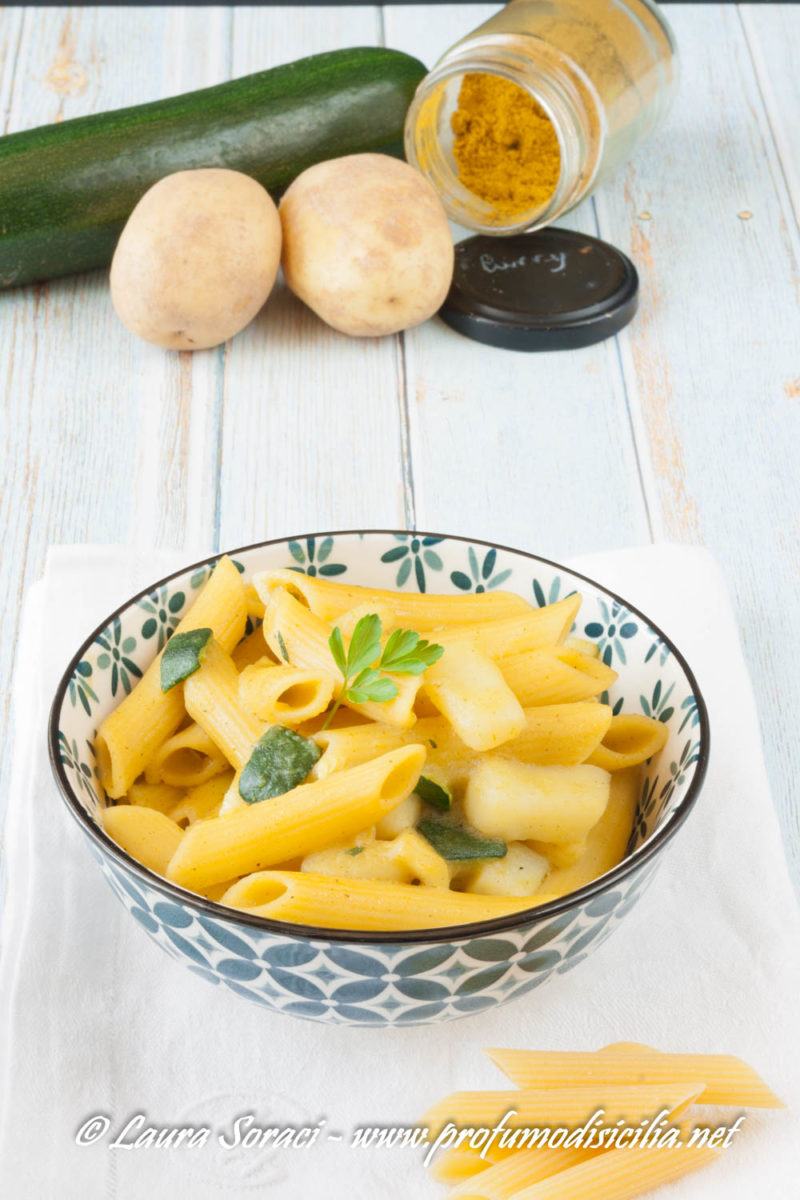 la pasta risottata con patate zucchine e curry