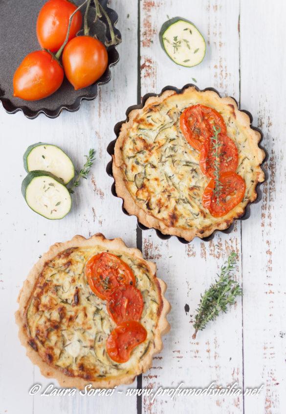 una deliziosa quiche con zucchine e pomodori per la scampagnata