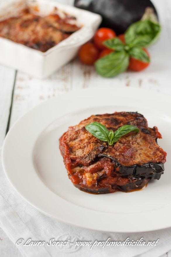 Un piatto buonissimo che tutti ameranno la parmigiana con pesce spada direttamente dallo stretto di Messina