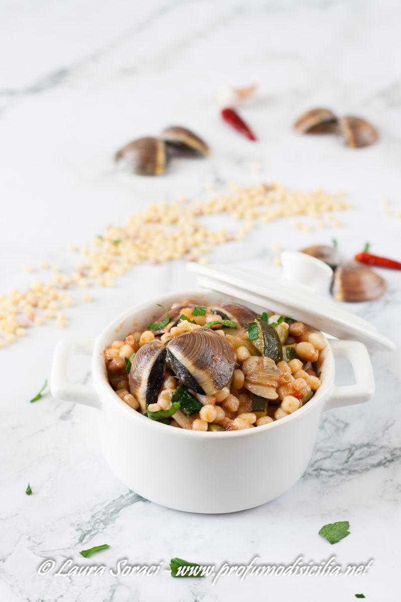 in sardegna la fregola è un piatto tipico l'avete mia gustata con vongole e zucchine?